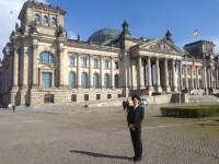 すべてが「ガラス張り」!ドイツの国会議事堂の、徹底した建築思想