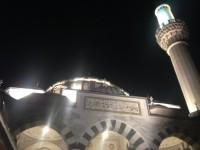 アラビア語をあやつる国際派の小池知事に期待される、ムスリム来日者施策とテロ対策