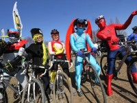 自転車窃盗犯を捕縛!駅前にいる政治家も、たまには役立つのだ(その2)